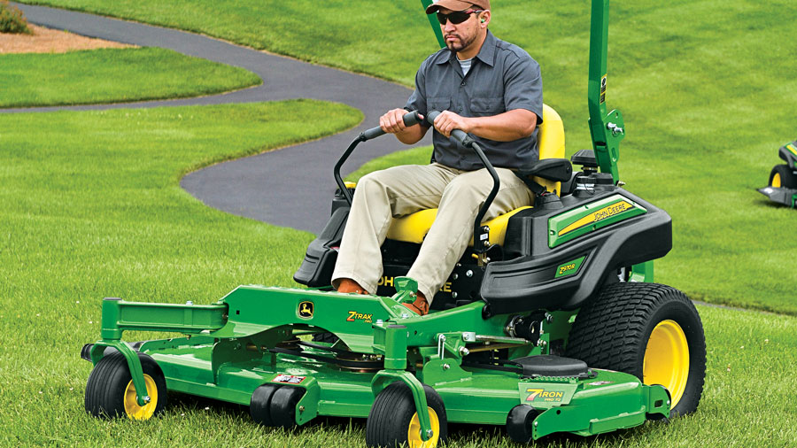 Get $600 off Z900M & Z900R Model Commercial ZTrak Mowers at P&K!